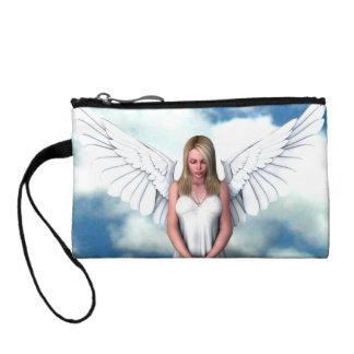 Ángel entre las nubes