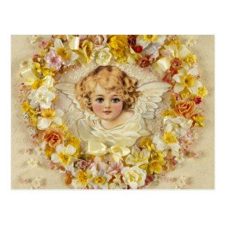 Ángel floral en un corazón tarjeta postal