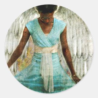Ángel humilde pegatina redonda