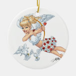 Ángel lindo del Cupid con la flecha de amor por el Adorno Para Reyes