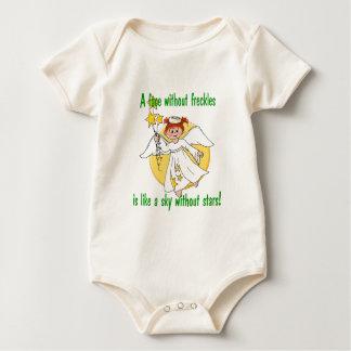 Ángel pecoso de la cara trajes de bebé