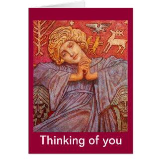 Ángel pensativo asentado tarjeta de felicitación