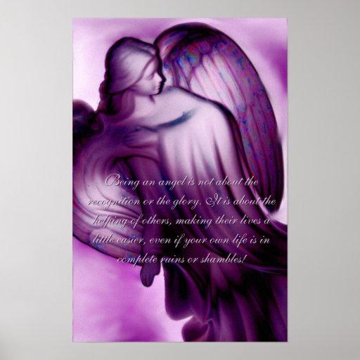 Ángel púrpura majestuoso con decir la impresión de posters