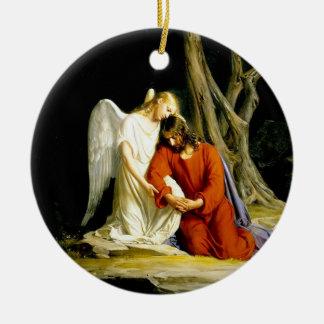 Ángel que conforta a Jesús en jardín Adorno Navideño Redondo De Cerámica