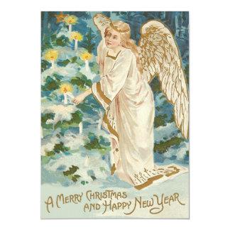 """Ángel que enciende el árbol de navidad iluminado invitación 5"""" x 7"""""""