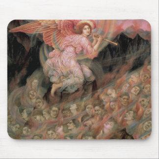 Ángel que instala tubos a las almas en infierno de alfombrilla de ratones