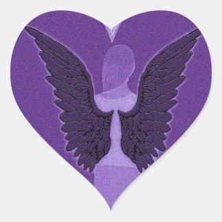 Ángel y corazón púrpuras pegatina en forma de corazón