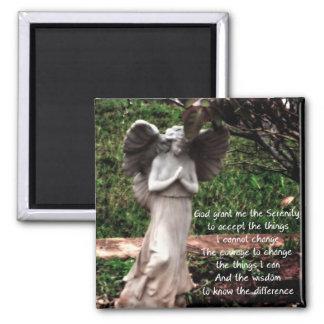 Ángel y el rezo de la serenidad imán de nevera