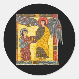 Ángel y manuscrito iluminado de Juan Apocolypse 2 Pegatina Redonda