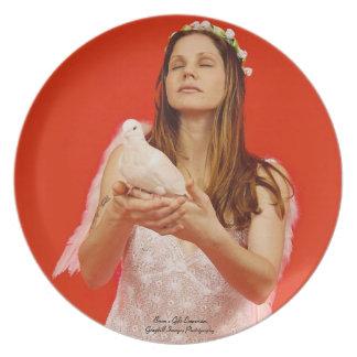 Ángel y paloma plato de comida