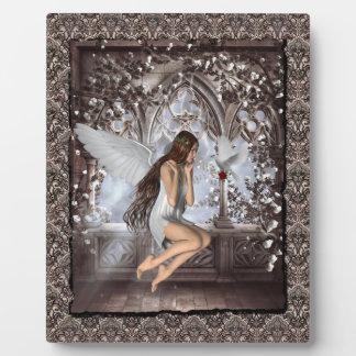 Ángel y su paloma placa de madera