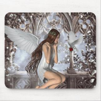 Ángel y su paloma tapete de ratón