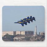 Ángeles azules sobre Alcatraz Tapete De Ratones