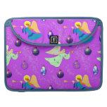 Ángeles en violeta - ornamentos y trompetas fundas para macbooks