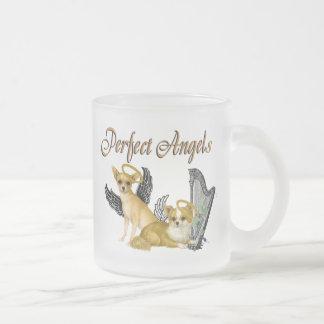 Ángeles perfectos de la chihuahua taza de cristal