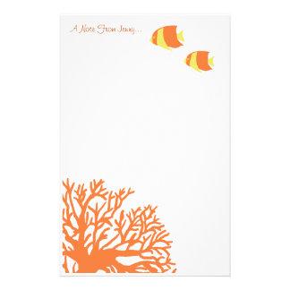 Angelfish tropical anaranjado y amarillo  papeleria de diseño