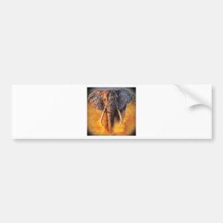 Angry elefante pegatina de parachoque
