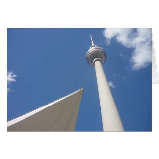 ángulo del fernsehturm de Berlín Tarjeta De Felicitación