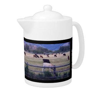 Angus On Pasture Teapot