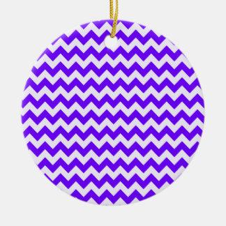 Añil, púrpura, rayas de Chevron Adorno De Navidad