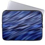 Añil y rayas azules violetas del estilo del satén fundas portátiles