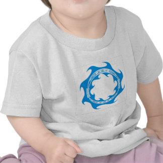 Anillo céltico de la onda camisetas