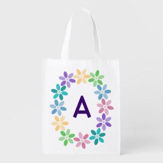 Anillo colorido de la margarita con monograma bolsas de la compra