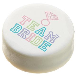 Anillo de diamante de la novia del equipo