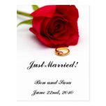 Anillo de diamante del rosa rojo y del oro tarjetas postales
