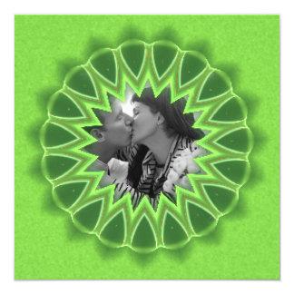 Anillo de la mandala verde del caleidoscopio del invitación 13,3 cm x 13,3cm