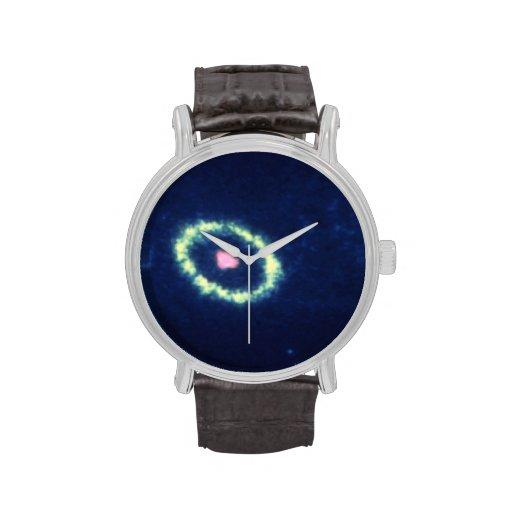Anillo gaseoso alrededor de la supernova 1987A Reloj