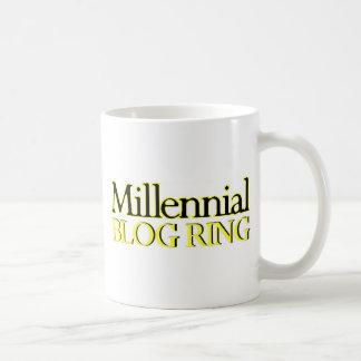 Anillo milenario del blog taza básica blanca