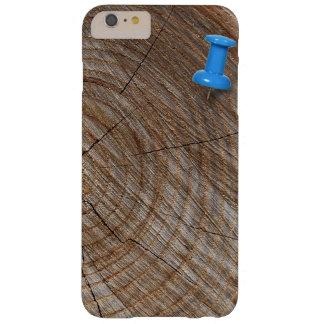 Anillos de árbol con la tachuela de pulgar funda de iPhone 6 plus barely there