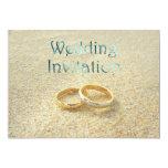 Anillos de bodas de playa que casan la invitación invitación 12,7 x 17,8 cm