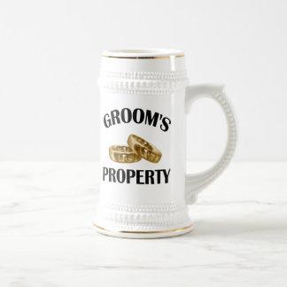 Anillos de bodas taza de café