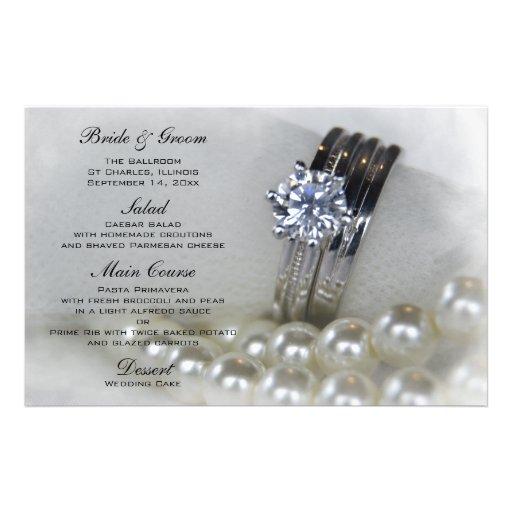 Anillos de diamante y el casarse blanco de las papeleria de diseño