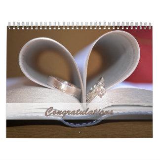 Anillos de la enhorabuena del boda del calendario