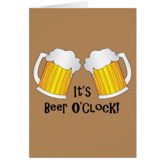 Anima pintas de cerveza que la fiesta de tarjeta de felicitación