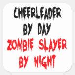 Animadora del asesino del zombi calcomania cuadrada personalizada
