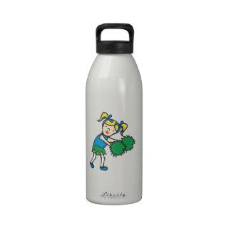 Animadora del chica botella de beber