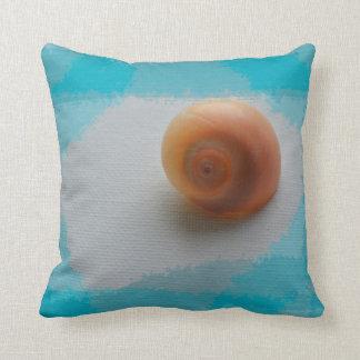 animal azul de la playa de las rayas de la cáscara cojín decorativo