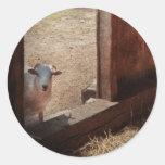 Animal - cordero - hola, cualquiera a casa pegatina redonda