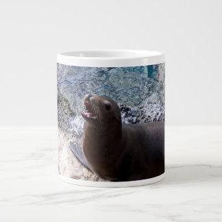 animal de mar lindo de la foto abierta de la boca tazas extra grande