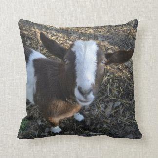 Animal del campo del corral de la cabra cojín decorativo