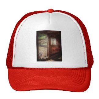 Animal - Lamb - Hello, anybody home Trucker Hat