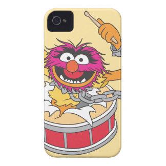 Animal que se estrella a través de los tambores Case-Mate iPhone 4 cárcasas