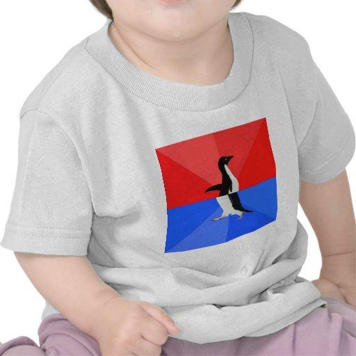 Animal social confuso Meme del consejo del pingüin Camiseta