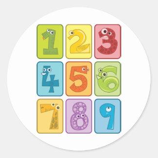 Animal y números pegatina redonda