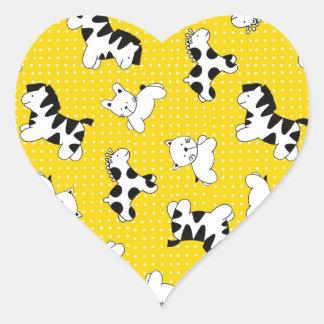 Animales amarillos del bebé del lunar pegatina en forma de corazón