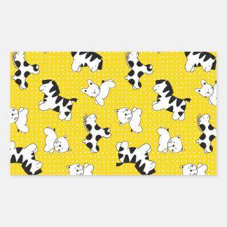 Animales amarillos del bebé del lunar pegatina rectangular